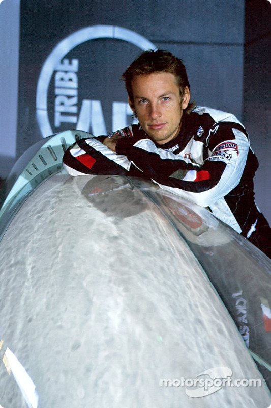 Tribe Art Commission2 avec Hassen Chalayan : Jenson Button