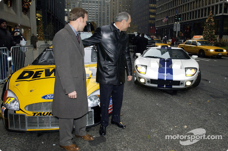Dan Davis Suprises Matt Kenseth By Presenting Him With A Ford Gt For Winning The Winston  C B Nascar Cup