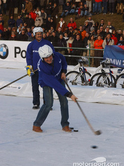 Ralf Schumacher plays ice hockey