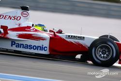 Cristiano da Matta gives Toyota TF104 its debut runs