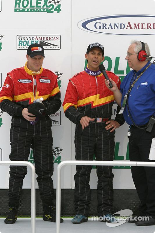 Les vainqueurs Craig Stanton et Terry Borcheller sur le podium de la catégorie GS