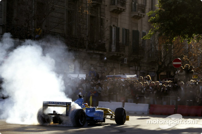 5 : Renault flambe à Palerme