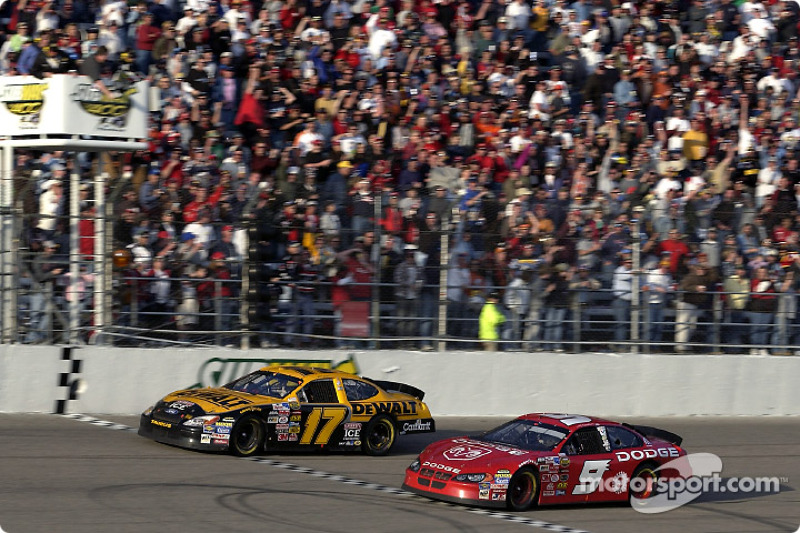 Rockingham 2004: Matt Kenseth vs Kasey Kahne
