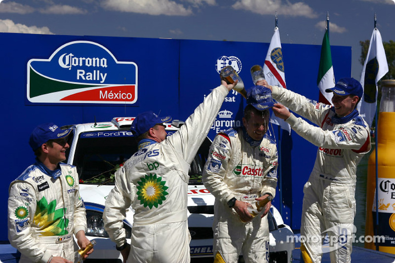 Podium: winners Markko Martin and Michael Park celebrate with François Duval and Stéphane Prévot
