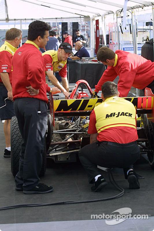 Le paddock Mi-Jack Conquest Racing