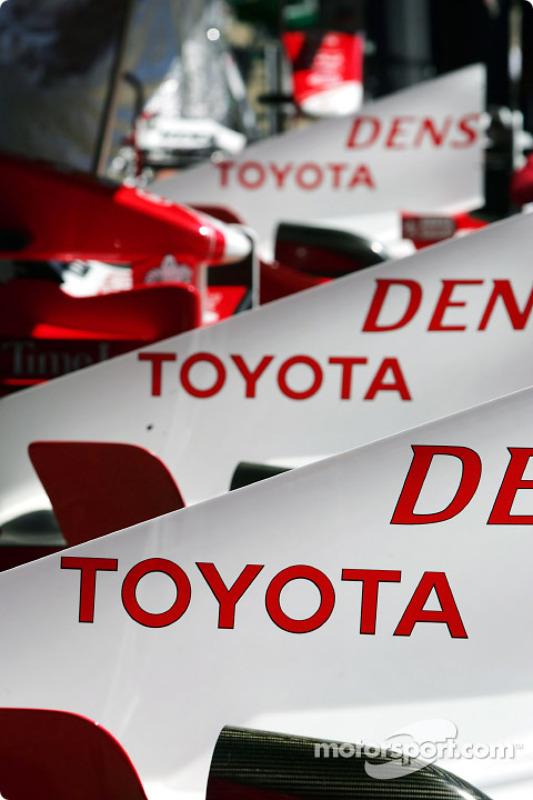 Des capots moteur Toyota