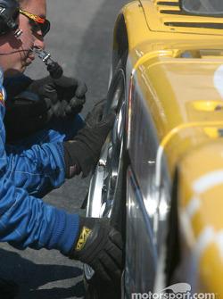 Pitstop for #54 Bell Motorsports Pontiac Doran: Forest Barber, Terry Borcheller, Andy Pilgrim