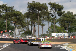 Traffic at the Dunlop chicane