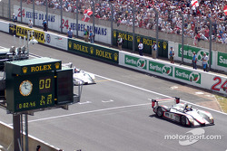 #5 Audi Sport Japan Team Goh Audi R8 starts the last lap