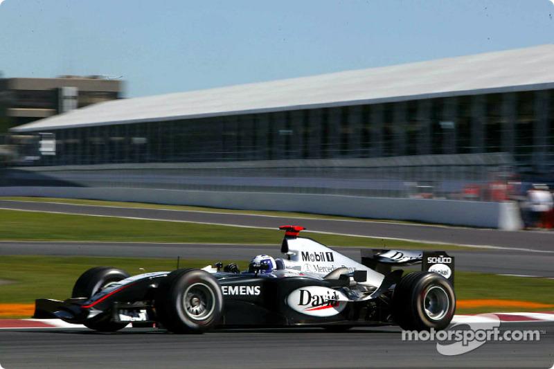 2004 : McLaren MP4-19, à moteur Mercedes
