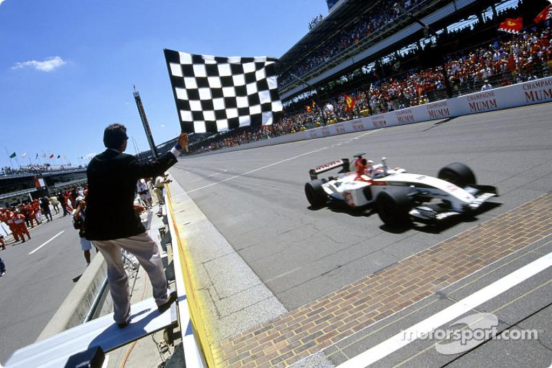 Takuma Sato takes checkered flag for 3.
