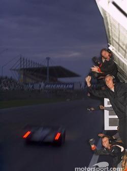 Audi Sport UK Team Veloqx celebrate victory
