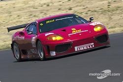 la Ferrari 360 Modena n°35 de l'équipe Risi Competizione pilotée par Anthony Lazzaro, Ralf Kelleners