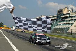 Gary Paffett takes the checkered flag