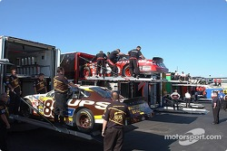 The UPS crew prepares the UPS Ford