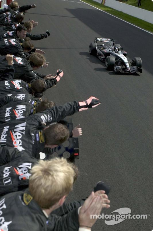 2004: Kimi Raikkonen McLaren Mercedes MP4-19