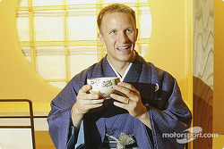 Petter Solberg is welcomed to Japan with a traditional Japanese Tea ceremony in Obihiro