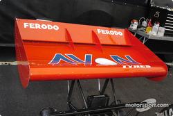 Lola T332 1974 rear air foil