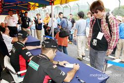 Autograph session: Zsolt Baumgartner and Gianmaria Bruni