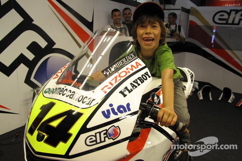 Un jeune fan de Randy De Puniet, LCR Honda MotoGP
