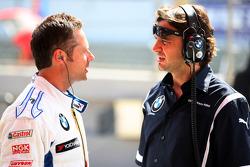 Andy Priaulx, BMW Team RBM, BMW 320si met Sam Waes