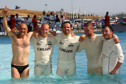 Drivers go for a swim after the race, Gabriele Tarquini, SR - Sport, Seat Leon 2.0 TDI, Robert Huff, Chevrolet, Chevrolet Cruze LT, Yvan Muller, Chevrolet, Chevrolet Cruze LT, Fredy Barth, Seat Leon 2.0 TDI, Darryl O'Young, Bamboo-engineering, Chevrolet L