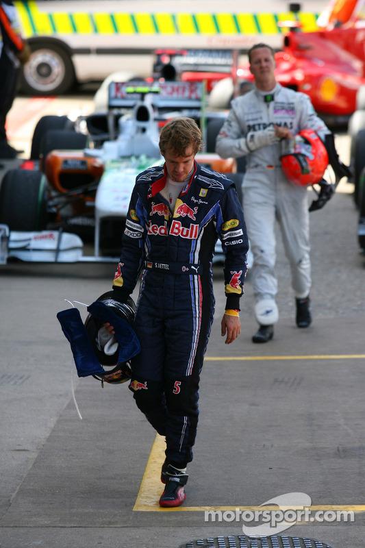 Sebastian Vettel, Red Bull Racing et Michael Schumacher, Mercedes GP