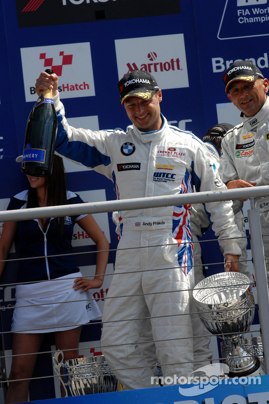 Race winnaar Andy Priaulx