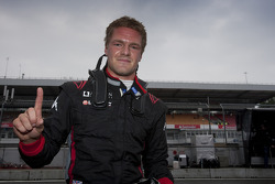 James Jakes viert feest pole position