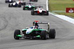 Robert Wickens leads Pedro Nunes