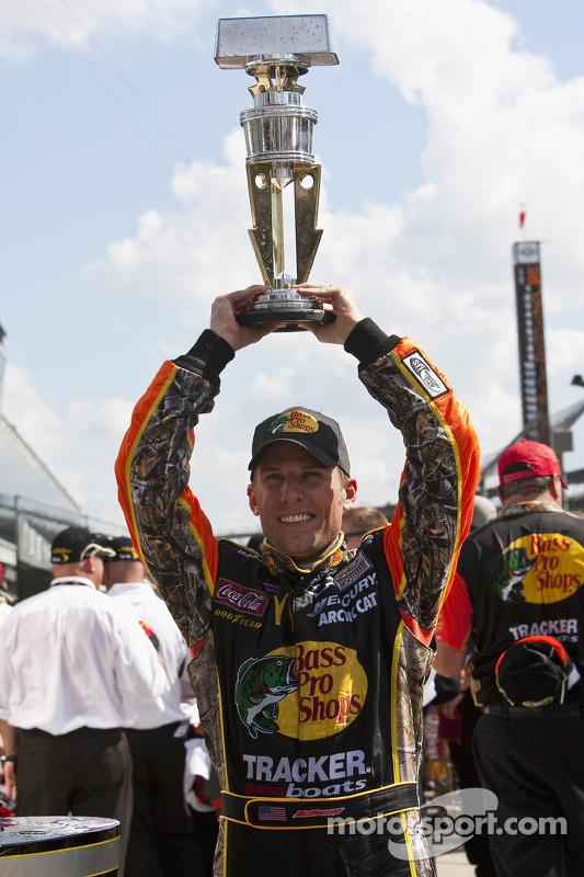 Victory lane: race winnaar Jamie McMurray, Earnhardt Ganassi Racing Chevrolet