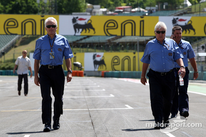 Charlie Whiting, FIA Safty delegate, Race director & offical starter, Herbie Blash, FIA Observer