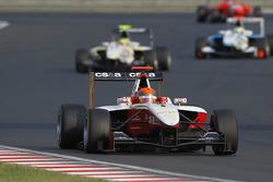 Alexander Rossi leads Renger Van Der Zande