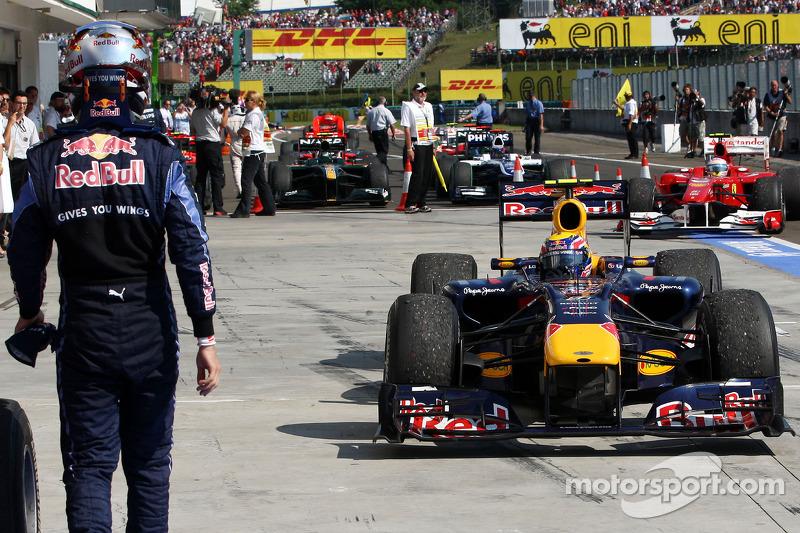 Sebastian Vettel, Red Bull Racing in parc ferme met winnaar Mark Webber, Red Bull Racing