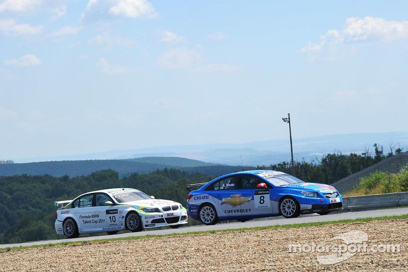 Robert Huff Chevrolet, Chevrolet Cruze LT en Augusto Farfus BMW Team RBM BMW 320si