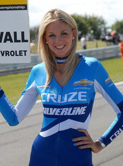 Alex MacDowall grid girl