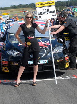 Tom Boardman grid girl
