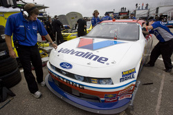 Drew Blickensderfer and crew look over the Valvoline Ford
