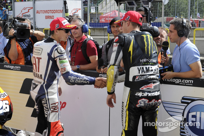 Derde plaats Jorge Lorenzo, Fiat Yamaha Team en tweede plaats Ben Spies, Monster Yamaha Tech 3