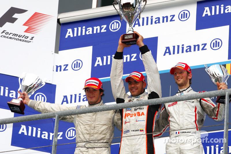 Podium : Pastor Maldonado vainqueur devant Alvaro Parente et Romain Grosjean