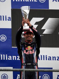 Podium : seconde place pour Mark Webber