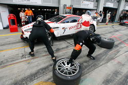 Pit stop for #7 Young Driver AMR Aston Martin DB9: Darren Turner, Tomas Enge