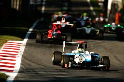Felipe Guimaraes rijdt voor James Jakes