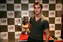 Doru Sechelariu receives his award