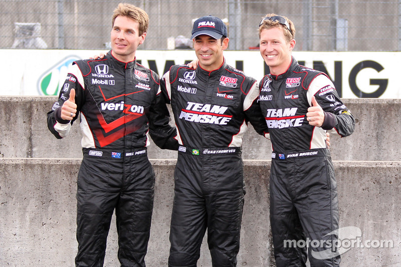 1er Helio Castroneves, Team Penske, 2e Ryan Briscoe, Team Penske, 3e Will Power, Team Penske