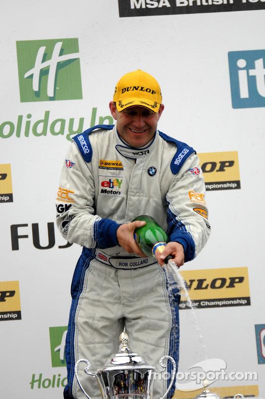 Rob Collard met champagne