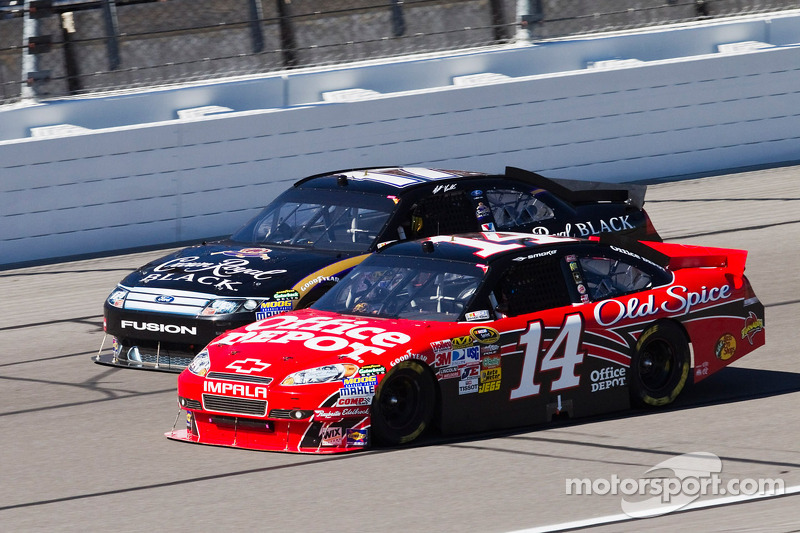 Tony Stewart, Stewart-Haas Racing Chevrolet en Matt Kenseth, Roush Fenway Racing Ford