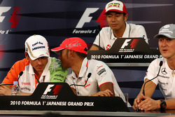 Adrian Sutil, Force India F1 Team, Lewis Hamilton, McLaren Mercedes, Sakon Yamamoto, Hispania Racing F1 Team, Michael Schumacher, Mercedes GP
