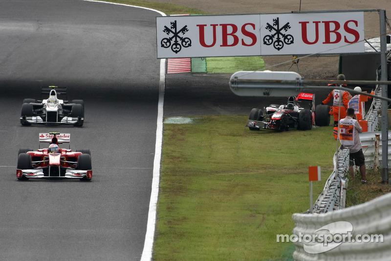 Auto van Lewis Hamilton, McLaren Mercedes nadat hij in de eerste training gecrasht was