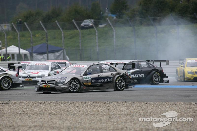 Crash op het nieuwe gedeelte van de baan: Bruno Spengler, Team HWA AMG Mercedes C-Klasse